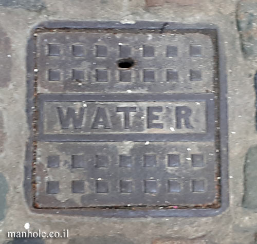 London - Water - Camden Market - Small square cover