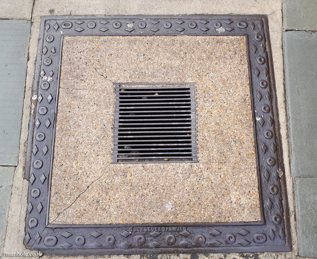 London - Hampstead - Large concrete cover with decorative frame and drain openin