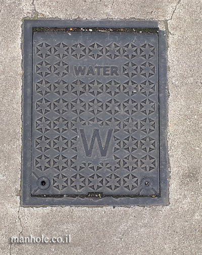 London - Greenwich  - Water - a small cover with lots of stars